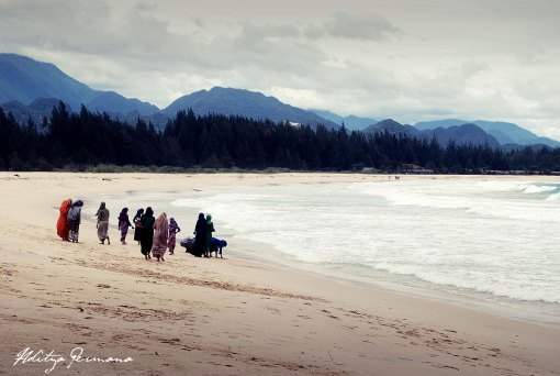 Pengunjung Lapuuk Beach